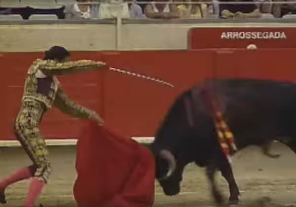 Wreedheid rent met je mee: nieuwe video laat donkere kant van Pamplona zien