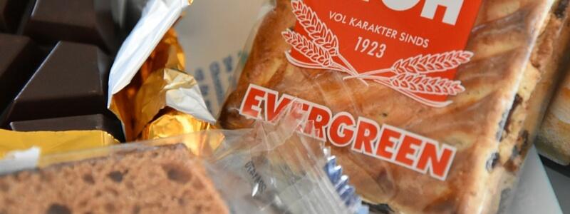 Nederlandse veganistische snacks tussendoortjes cakes koek